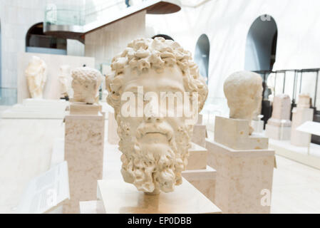 Ancient marble bust of Roman Emperor Septimius Severus in the National Archaeological Museum of Spain, Madrid - Stock Photo