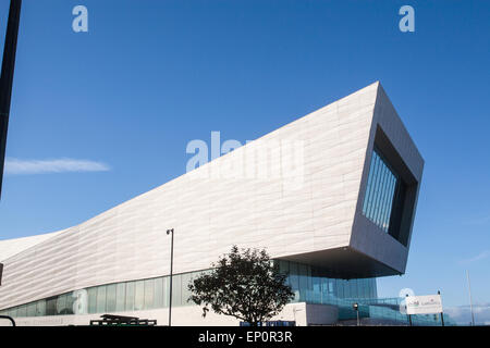 The Liverpool Museum at the Pier Head. Opened in summer of 2011. Part of Liverpool's UNESCO World Heritage site - Stock Photo