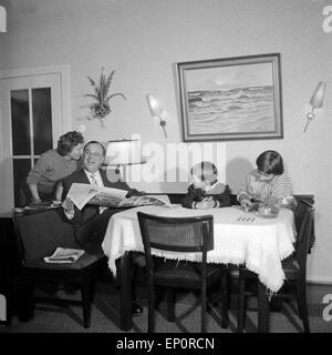 Photograph By Tony Henshaw Die Familie Von Albedyll Im Wohnzimmer Hamburg 1955 Family In Their Living