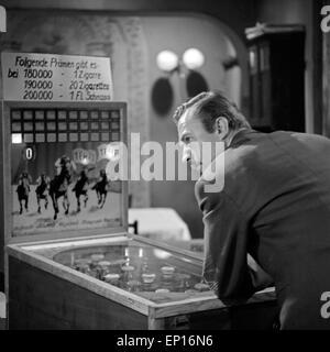 Anatomie eines Unfalls, Fernsehfilm, Deutschland 1965, Regie: Karl Heinz Bieber, Darsteller: Alfons Höckmann (?) - Stock Photo