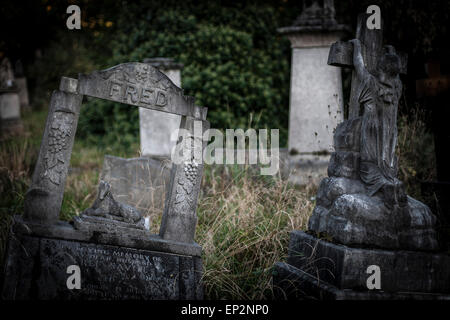 Tower Hamlets Cemetery in the East End of London. - Stock Photo