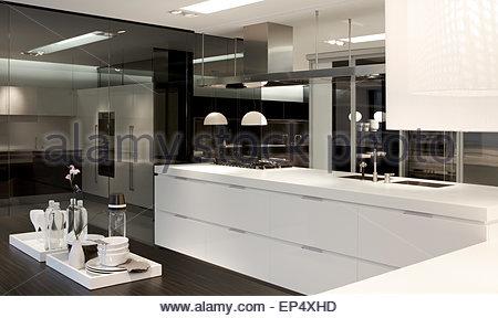 Kitchen area poliform showroom london london united - Poliform showroom ...