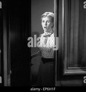 Ein Volksfeind, Fernsehfilm, Deutschland 1965, Regie: Oswald Döpke, Darsteller: Isabelle Carlson Stumpf - Stock Photo