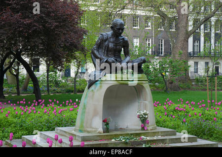 Mahatma Gandhi statue in Tavistock Square, London - Stock Photo