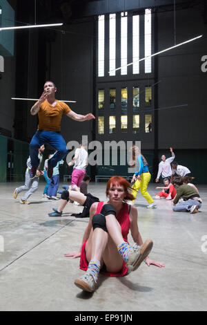 London, UK. 14 May 2015. Pictured: dancers performing in the Turbine Hall of Tate Modern. BMW Tate Live: If Tate - Stock Photo