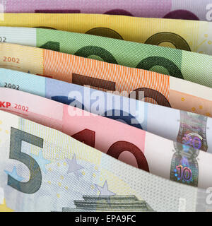 Alle aktuellen Euro Scheine hintereinander - Stock Photo