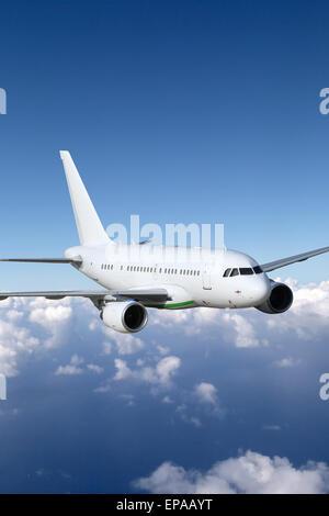 Flugzeug im Flug Thema Luftfahrt - Stock Photo