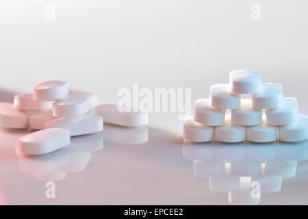 Paracetamol tablets - Stock Photo