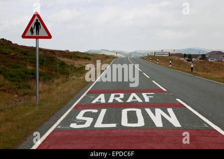 The A542 road, and the Ponderosa cafe at the summit of the Horseshoe Pass near Llangollen, north Wales - Stock Photo