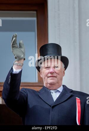 Oslo, Norway. 17th May, 2015. King Harald of Norway at the National day celebrations at the Royal Palace in Oslo, - Stock Photo