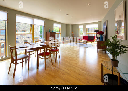 Open plan living and dining room at 419 Wick Lane, London. New apartments built by Development securities Plc opposite - Stock Photo