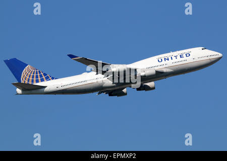 Frankfurt, Germany - September 17, 2014: A United Airlines Boeing 747 Jumbo Jet with the registration N171UA taking - Stock Photo