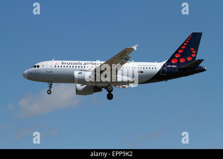 Brussels Airlines Airbus A319 passenger aircraft on approach - Stock Photo