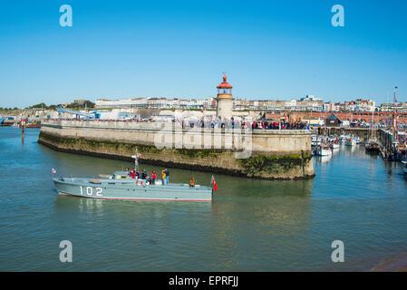 Ramsgate, Kent, UK. 21st May, 2015. Motor Torpedo Boat and Dunkirk veteran, MTB 102 leaving Ramsgate Royal Harbour - Stock Photo