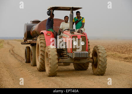 ETHIOPIA Gambela, Abobo, farm land of company Saudi Star Agricultural Development owned by Mohamed al-Amoudi , water - Stock Photo