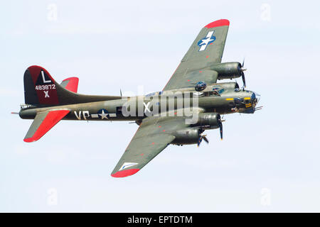 A Boeing B-17G-95-DL Flying Fortress/PB-1W in the Texas Raiders air display - Stock Photo