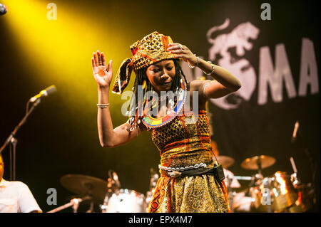 Fatoumata Diawara & Roberto Fonseca performing live at WOMAD music festival, Charlton Park, England, UK. 27th July - Stock Photo