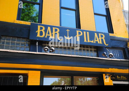 USA Washington DC shops and business along 14th Street NW near the U Street corridor - The Bar Pilar exterior - Stock Photo