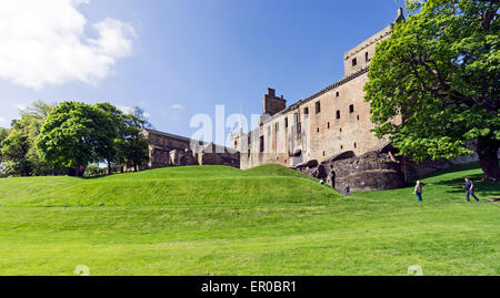 Linlithgow Palace - birth-place of Mary Queen of Scots - In Linlithgow West Lothian Scotland with St. Michaels Church - Stock Photo