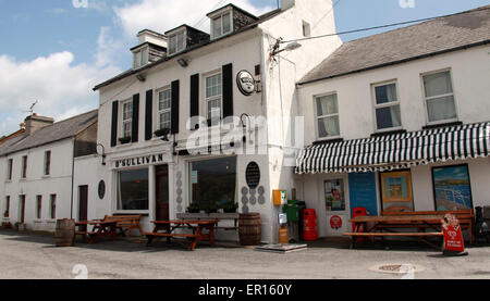 O'Sullivans Pub on the harbour in Crookhaven on the Mizen Peninsula of County Cork - Stock Photo