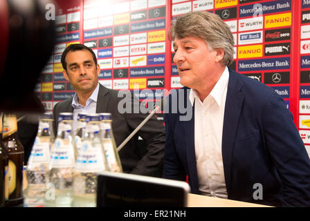 Stuttgart, Germany. 25th May, 2015. Bernd Wahler (R), President of German Bundesliga soccer club VfB Stuttgart, - Stock Photo