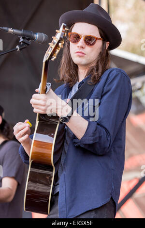Irvine, California, USA. 16th May, 2015. Musician JAMES BAY performs live with his band during the KROQ Weenie Roast Y Fiesta at Irvine Meadows Amphitheatre in Irvine, California © Daniel DeSlover/ZUMA Wire/Alamy Live News