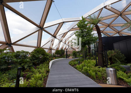 Canary Wharf Tropical Roof Garden An Oasis Of Calm Above