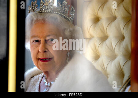 London, UK. HM Queen Elizabeth II leaving the State Opening of Parliament, 27th May, 2015. Wearing her Diamond Diadem - Stock Photo