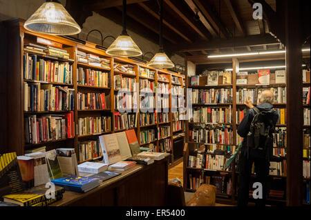 Richard Booth's Bookshop Cafe, Hay-on-Wye. - Stock Photo