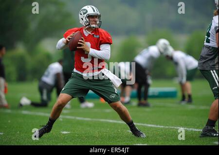 Florham Park, New Jersey, USA. 27th May, 2015. New York Jets' quarterback Jake Heaps (3) during Jets OTA workout - Stock Photo