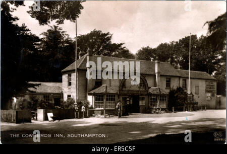 The Cowherd's Inn, The Common, Southampton, Hampshire, England.  1930s - Stock Photo