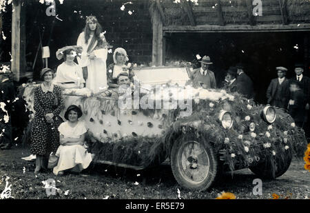 Renault Vintage Wedding Car, England.  1940S - Stock Photo