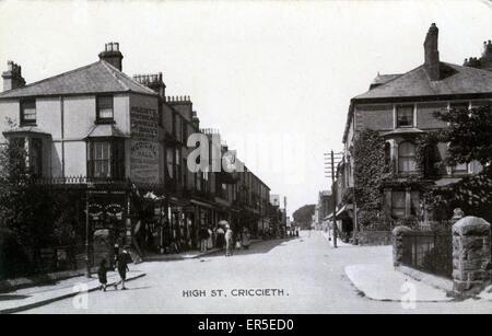 High Street, Criccieth, Porthmadog, Cardiganshire, Wales. Showing Davies-Hughes' Medical Hall - Chemists  1912 - Stock Photo
