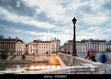 View from Pont de la Tournelle to Quai d'Orleans le and Quai de Bethune ri, Ile Saint-Louis, Paris, France, Europe, - Stock Photo