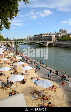 Beach along the river Seine, Paris, France, Europe - Stock Photo