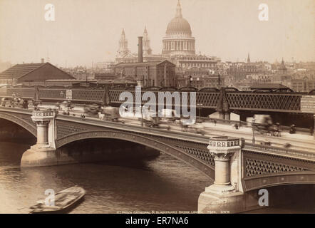 St. Paul's Cathedral & Blackfriars Bridge, London. Photograph shows carriage and pedestrian traffic on the Blackfriar - Stock Photo