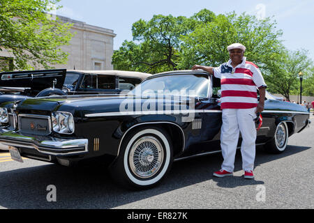 1973 Oldsmobile Delta 88 Royale classic car and owner - USA - Stock Photo