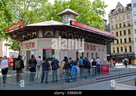 The Tkts theatre ticket booth in Leicester Square, London - Stock Photo