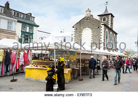 The Moot Hall and market on Main Street Keswick Cumbria England UK - Stock Photo