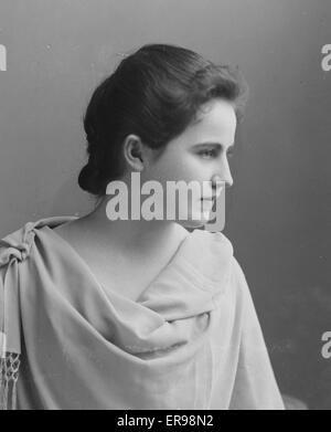 Edith Bolling (married Woodrow Wilson). Photograph shows half-length portrait of Edith Bolling Galt Wilson, seated, - Stock Photo