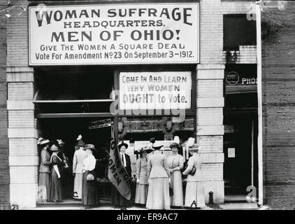 Woman suffrage headquarters in Upper Euclid Avenue, Cleveland - A. (at extreme right) is Miss Belle Sherwin, President, - Stock Photo