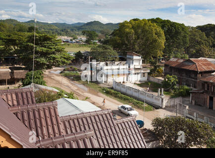 A view of the Burmese town of Hsipaw from the roof of Mr Charles' Hotel, to the Dokhtawady River.Shan Hills in the - Stock Photo