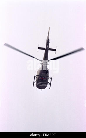 6th March 1991 A British Army Air Corps Gazelle AH.Mk1 helicopter flies overhead in Kuwait City. - Stock Photo