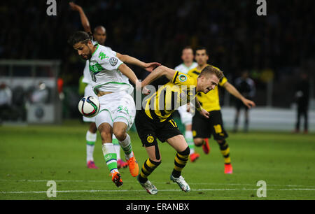 Berlin, Germany. 30th May, 2015. Marco Reus (R) of Borussia Dortmund competes during the German Cup (DFB Pokal) - Stock Photo