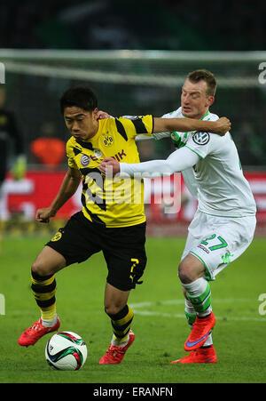 Berlin, Germany. 30th May, 2015. Shinji Kagawa (L) of Borussia Dortmund competes during the German Cup (DFB Pokal) - Stock Photo