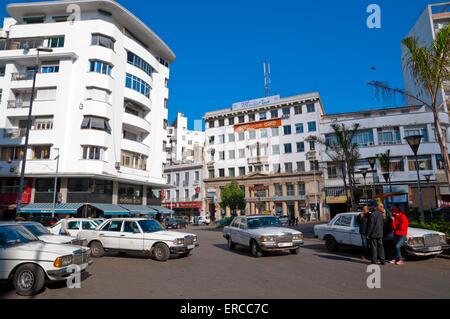 Grand taxis, Place du 16 Novembre, Casablanca, Atlantic coast, Morocco, northern Africa - Stock Photo