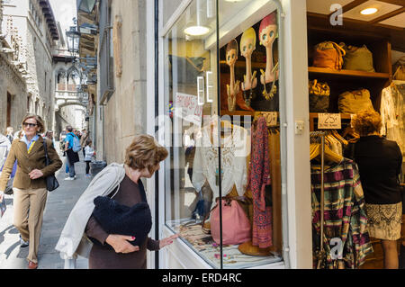 Carrer del Bisbe, Barri Gotic, Barcelona, Catalonia, Spain Street scene - Stock Photo