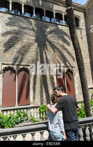 kissing casa