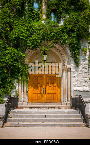 Doors of Theological Hall building on Queenu0027s University c&us in Kingston Ontario Canada. & Theological Hall at Queenu0027s University at Kingston in Kingston Stock ...