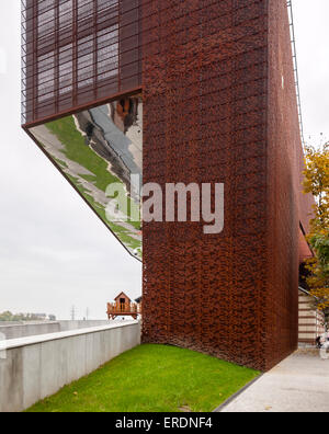 perforated corten steel facade cricoteka museum of. Black Bedroom Furniture Sets. Home Design Ideas